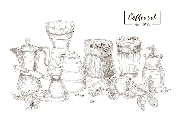 Set di utensili da cucina e strumenti per preparare e bere il caffè - moka, cezve turco, bollitore con beccuccio lungo, gocciolatore di vetro, macinino, bicchiere di carta. illustrazione vettoriale disegnato a mano in stile incisione.
