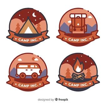 Set moderno di badge avventura