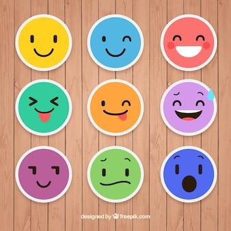Set piatto di adesivi colorati emoticon