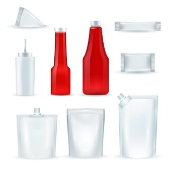 Set realisic di pacchetti di bottiglie di salsa