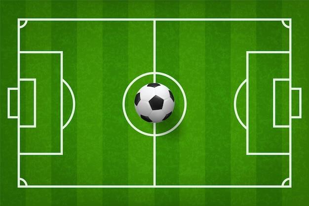 Sfera di calcio di calcio sul campo di erba verde.