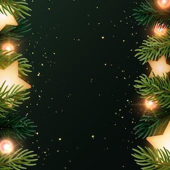 Sfondo di natale quadrato con rami di abete, stelle incandescenti, serpentine d'oro e lampadine luminose. sfondo grigio scuro con copyspace.
