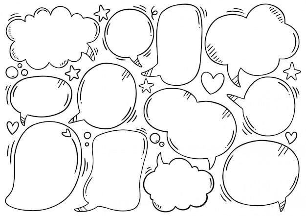 Sfondo disegnato a mano set di nuvoletta carino in stile doodle