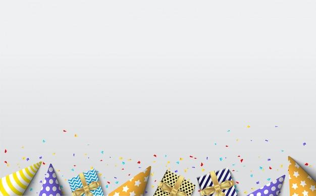 Sfondo per una festa di compleanno con illustrazioni di scatole regalo e cappelli di compleanno su uno sfondo bianco morbido.