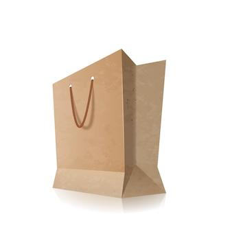 Shopping bag di carta con manici vuoti, isolato su bianco.
