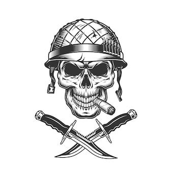 Sigaro di fumo del cranio del soldato monocromatico vintage
