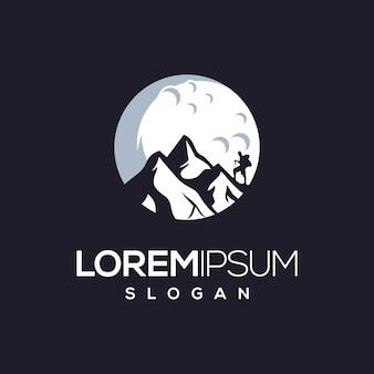Siluet montai climber logo design