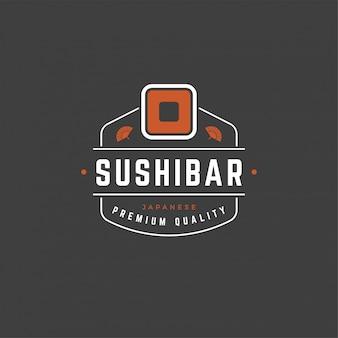 Siluetta di salmone del rotolo del modello di logo del negozio di sushi con la retro illustrazione di vettore di tipografia