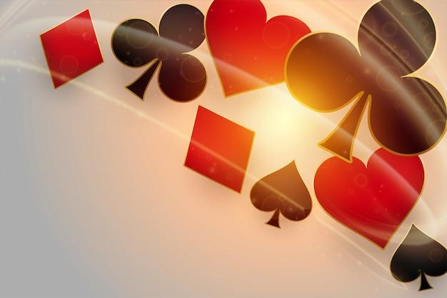 Simboli di carte da gioco del casinò con luce incandescente