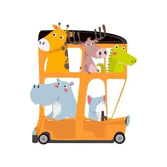 Simpatici animali che viaggiano in autobus
