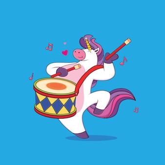 Simpatici cartoni animati di unicorno paffuto suonano la batteria