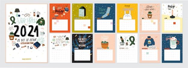 Simpatico calendario 2021. calendario planner annuale con tutti i mesi. buon organizzatore e programma. illustrazione di hygge colorato luminoso con citazioni motivazionali.