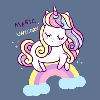 Simpatico cartone animato di unicorno con stile disegnato a mano arcobaleno
