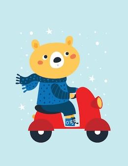 Simpatico orso in sciarpa e maglione in sella a una moto