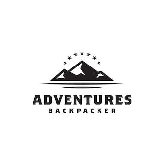 Simple bold black mountain con design del logo star