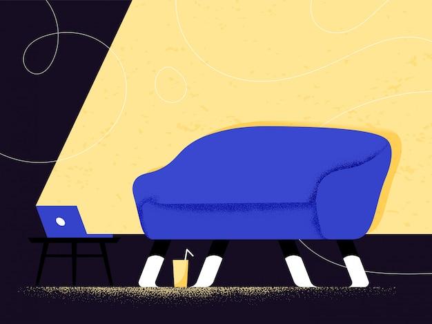 Sofà blu nella luce calda dal taccuino che trasmette moovie o video come riposo passivo e concetto freddo di fine settimana. la libertà dalla società governa il rimanere a casa. comfort e sicurezza. atmosfera rilassante.
