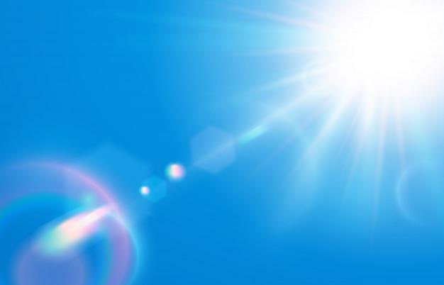 Sole nel cielo blu. chiarore caldo dell'obiettivo solare in chiari cieli, giorno soleggiato e illustrazione dei raggi luminosi del sole