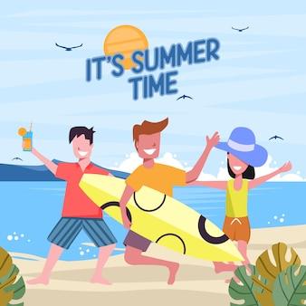 Spiaggia estiva con salto di giovani felici