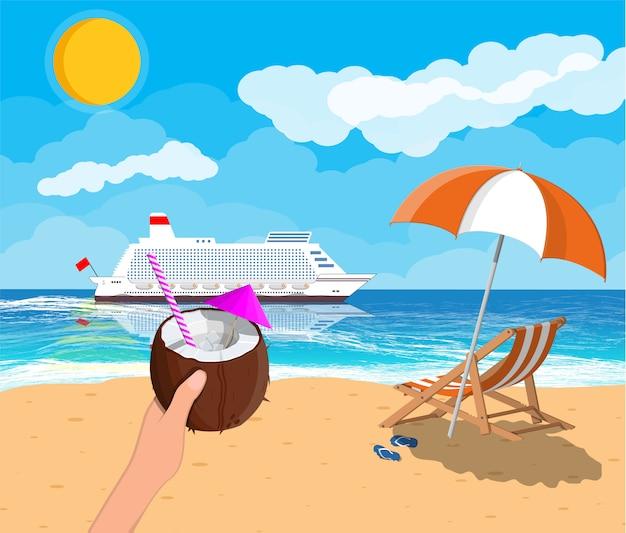 Spiaggia tropicale con nave da crociera e cocktail