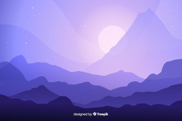 Splendido paesaggio della catena montuosa nella notte