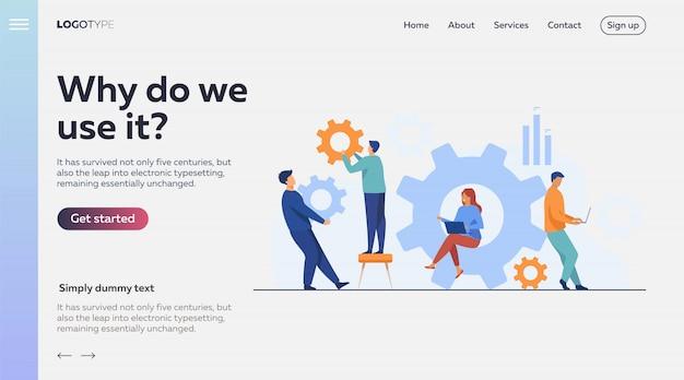 Squadra di affari che lavora insieme sul meccanismo della ruota dentata