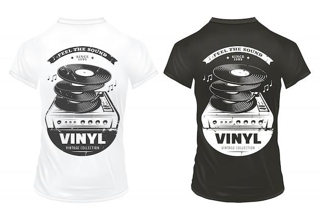 Stampe di apparecchiature musicali retrò su magliette con iscrizioni in vinile e giradischi in stile vintage isolato