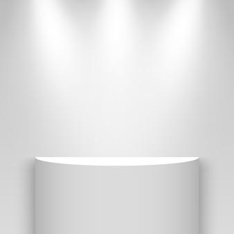 Stand espositivo bianco, illuminato da faretti. piedistallo. mensola.