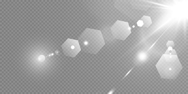 Stelle brillanti isolate su uno sfondo bianco trasparente. effetti, bagliore, luminosità, esplosione, luce bianca, set. lo splendore delle stelle, il bel bagliore del sole. .