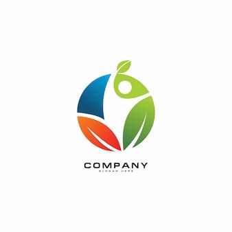 Stile di vita naturale per il concetto di logo sano naturale in verde