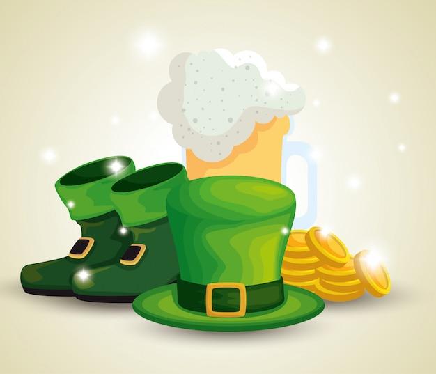 Stivali e cappello da giorno di san patrizio con bicchiere di birra e monete