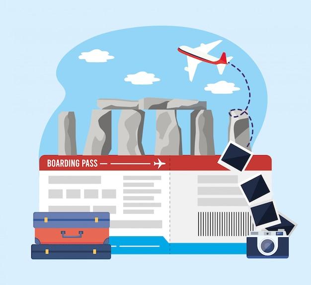Stonehenge con biglietto e macchina fotografica con foto e bagagli