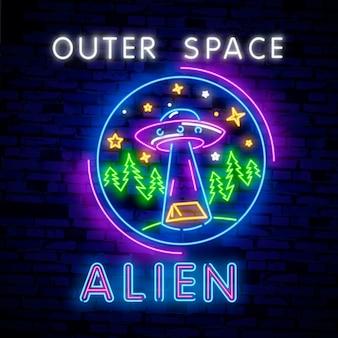 Straniero, segno al neon dello spazio esterno