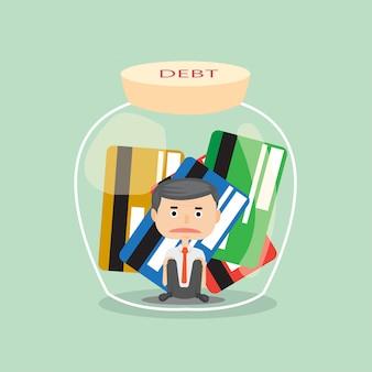 Stress di uomo d'affari con lui debito e trap carta di credito in bottiglia concetto illustratore.