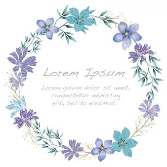 Struttura del fiore dell'acquerello con lo spazio del testo isolato su fondo bianco.