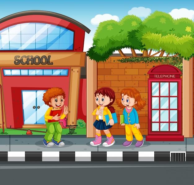 Studente di fronte a scuola