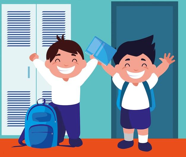 Studenti ragazzi nel corridoio della scuola con armadietti, ritorno a scuola