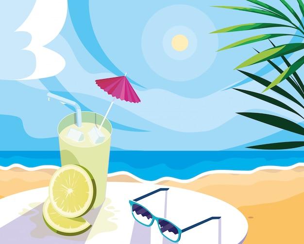 Succo di limone con ombrello e paglia