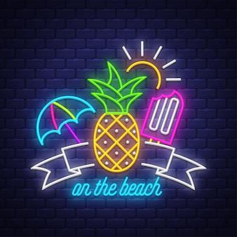 Sulla spiaggia. iscrizione al neon