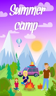 Summer camping in forest vector flyer con testo.