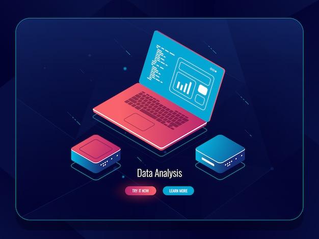 Sviluppo morbido isometrico, processo di web design, laptop con dati, programmazione e scrittura del codice
