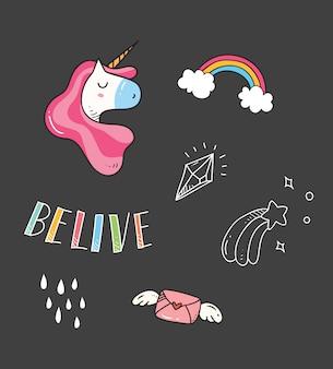 T-shirt da bambino con toppe unicorno