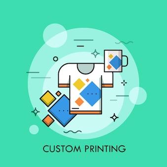 T-shirt e coppa con la stessa stampa.