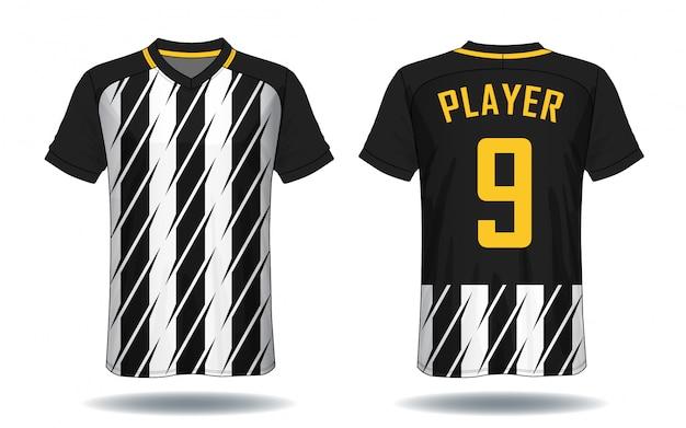 T-shirt sportiva da calcio.