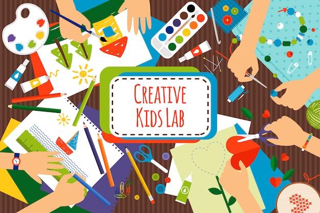 Tabella di vista superiore del laboratorio creativo per bambini