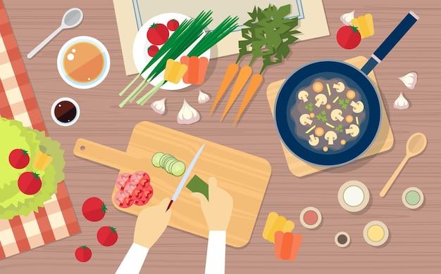 Tagliare le verdure a mano