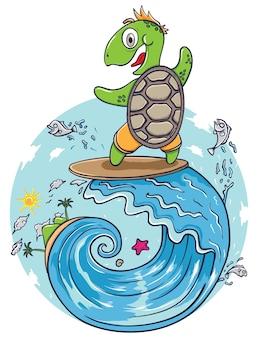 Tartaruga felice che fa surf sull'onda