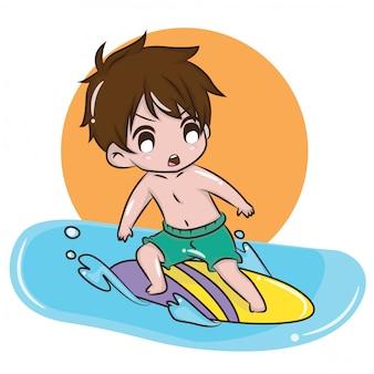 Tavola da surf da gioco carino in estate, concetto di attività estiva.