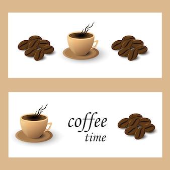 Tazza e grano di caffè dell'insegna su fondo bianco