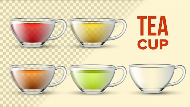 Tazze da tè con liquido di colore