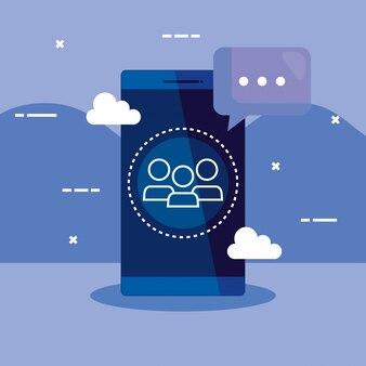 Tecnologia smartphone con chat bubble e nuvole